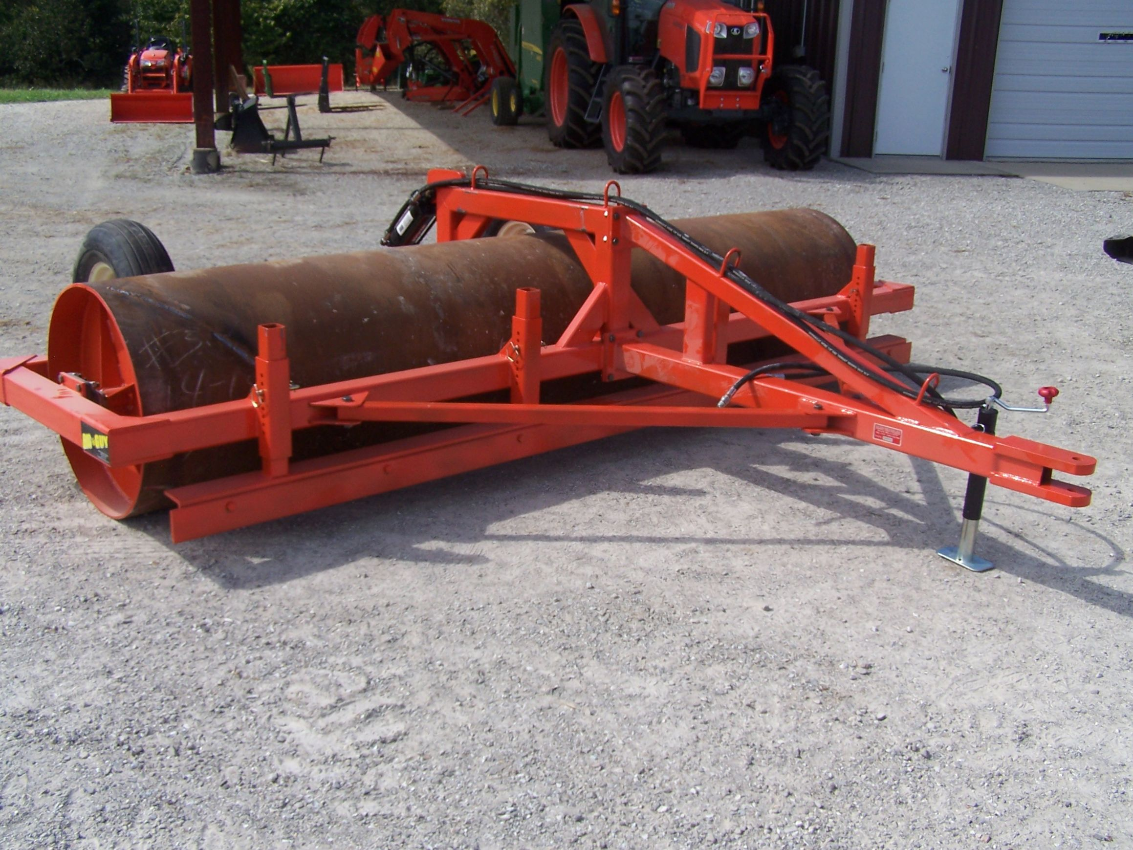 Field Roller with Leveler and Scraper Bar